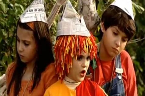César Cardadeiro com Lara Rodrigues e Isabelle Drummond no 'Sítio do Pica-pau amarelo' (Foto: TV Globo)