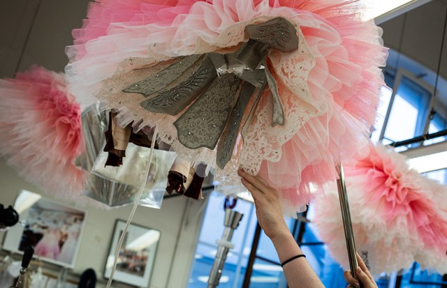 The ballerina's tutus featured graduated shades of pink, from blush to peony, creating painterly effects as they danced on stage (Foto: ANN RAY)