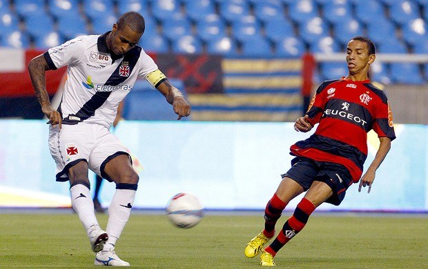Dedé na partida do Flamengo contra o Vasco (Foto: Jorge William / Ag. O Globo)