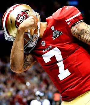 Colin Kaepernick 49ers São Francisco comemora Touchdown Super Bowl NFL (Foto: AP)