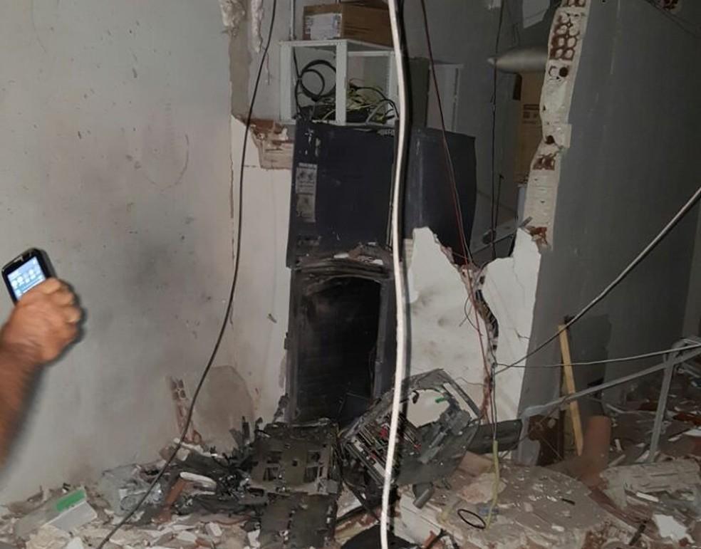 Bandidos explodiram caixa em agência de Sítio Novo (Foto: Divulgação/PM)
