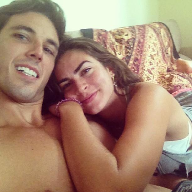 Renata Molinaro com o namorado (Foto: Reprodução/ Instagram)