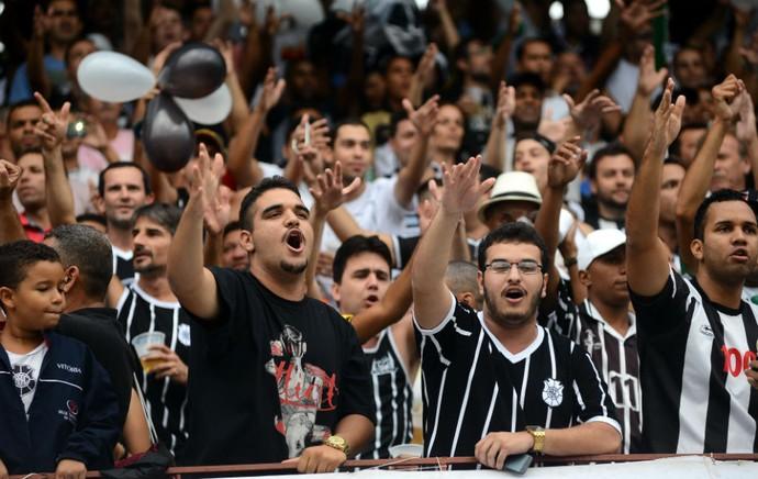 Festa da torcida do Rio Branco-ES, no primeiro jogo da final do Campeonato Capixaba 2015 (Foto: Bernardo Coutinho/A Gazeta)