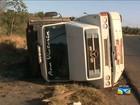 Caminhão tomba às margens da BR-135, em São Luís