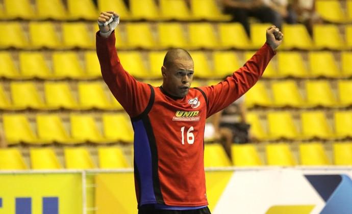 Goleiro Marcão do Pinheiros (Foto: Cinara Piccolo/Photo&Grafia)