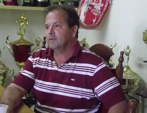 Heriberto da Cunha foi apresentado pela diretoria do CRB (Foto: Caio Lorena/Globoesporte.com)