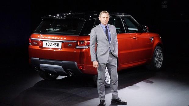 Ator Daniel Craig participa do lançamento do novo Range Rover Sport, no Salão de Nova Yok (Foto: Newspress)