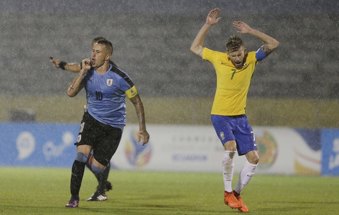 Uruguai x Brasil sub-20  Rodrigo Amarale maycon (Foto: AP)