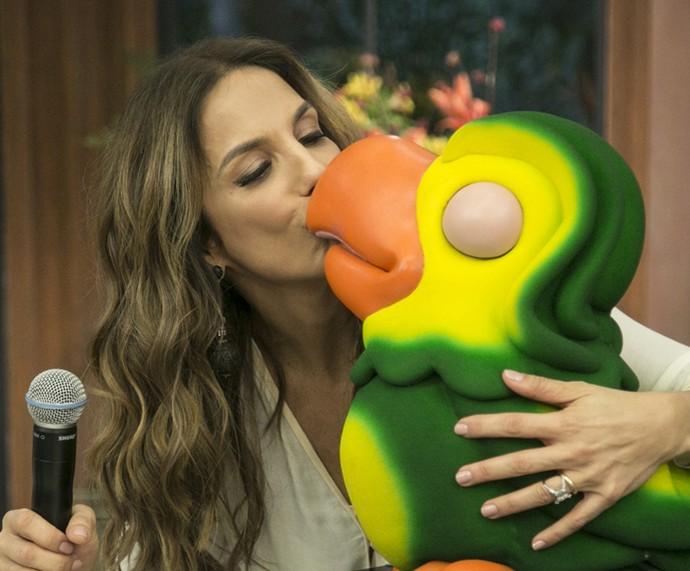 Ivete Sangalo dá beijão no Louro José (Foto: Raphael Dias/Gshow)
