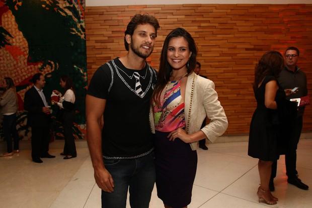 Ex-BBBs Eliéser e Kamilla Salgado em pré-estreia de filme em São Paulo (Foto: Claudio Augusto / Foto Rio News)