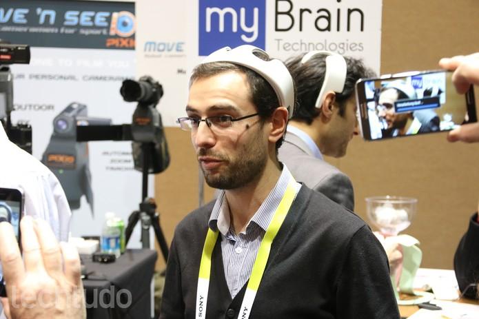 myBrain, 'capacete smart' promete te deixar mais calmo com música e sensores (Foto: Fabrício Vitorino / TechTudo)