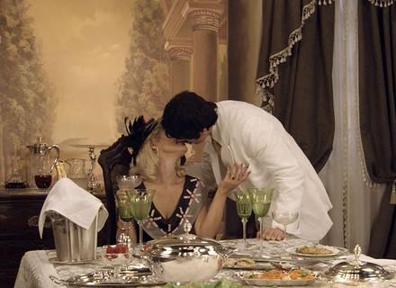 Sandra e Ernesto são flagrados na mansão