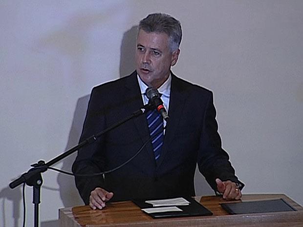 O governador Rodrigo Rollemberg durante discurso de posse na Câmara Legislativa do Distrito Federal (Foto: TV Globo/Reprodução)