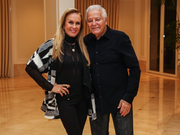 Helô Pinheiro com o marido, Fernando, em festa em São Paulo (Foto: Manuela Scarpa/ Foto Rio News)
