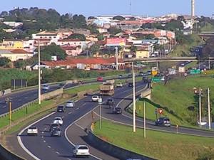 Reajuste prevê entrega de obras nas rodovias (Foto: Reprodução/TV TEM)