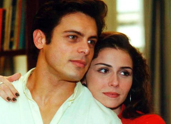 """Giovanna Antonelli e Luigi Baricelli em cena como o casal Capitu e Fred, em Laços de Família: """"Nem parece que já passaram quase 20 anos"""" (Foto: TV Globo/ Reprodução)"""