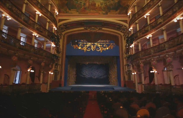 Palco do Teatro Amazonas já recebeu milhares de espetáculos (Foto: Rede Amazônica)