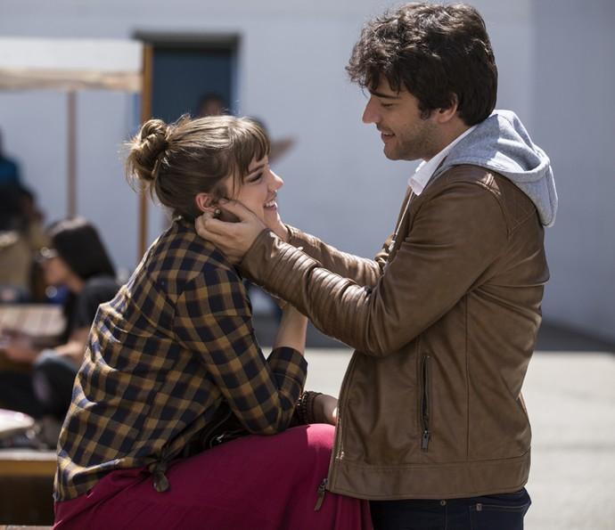 Isabela e Tiago estão mais apaixonados do que nunca (Foto: Inácio Moraes/Gshow)