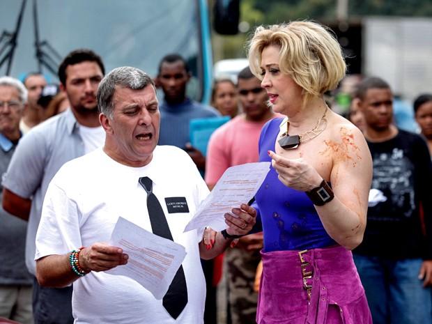 Sob a orientação de Jorge Fernando, a atriz roda cenas de Alto Astral (Foto: Raphael Dias/ TV Globo)