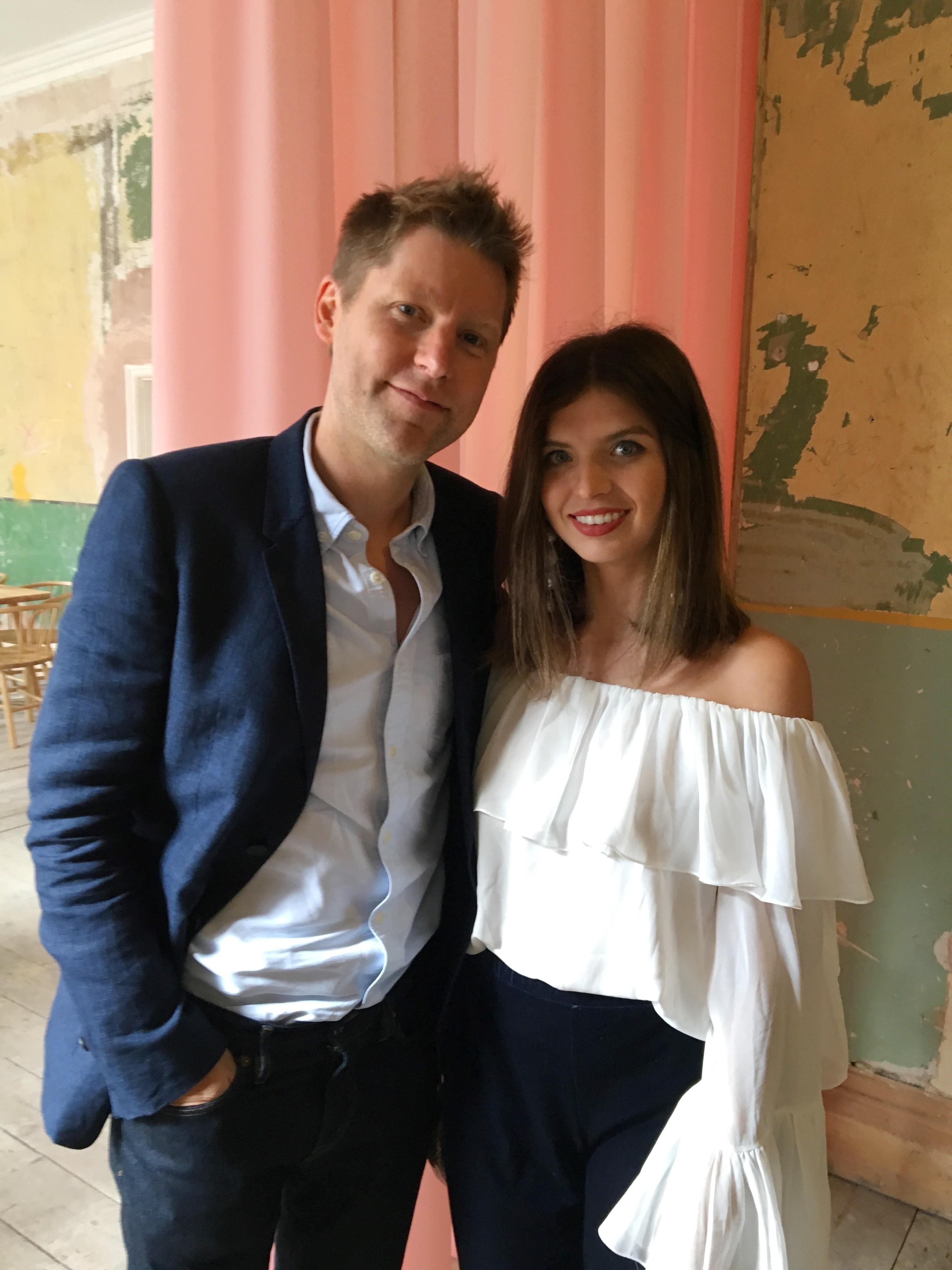 Christopher Bailey e Renata Garcia  (Foto: Divulgação)
