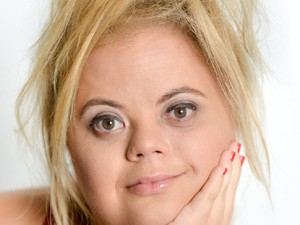 Tathiana Piancastelli, atriz com síndrome de Down. (Foto: Tathiana Piancastelli/ Arquivo pessoal)