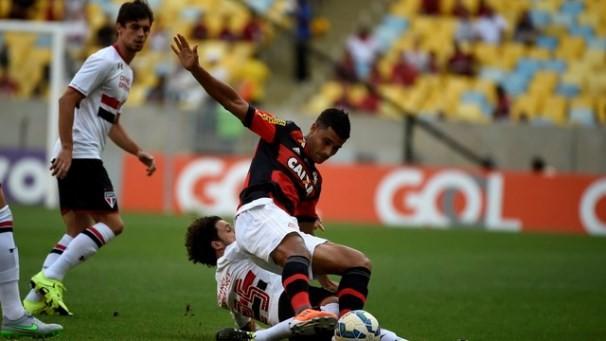 Clássico entre Flamengo e São Paulo acontece neste domingo (19) (Foto: Reprodução GE)