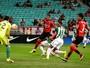 Mancini critica primeiro tempo do Vitória e destaca atuação de Kieza