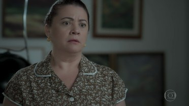 Dita fica apreensiva quando Silvana conta que pegou dinheiro com agiota