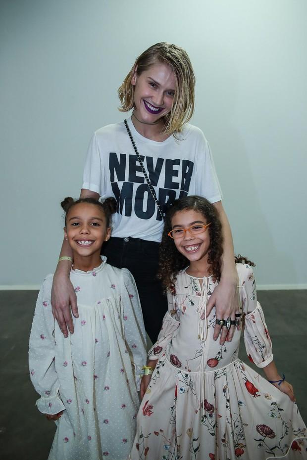 Celina Locks com a filhas de Ronaldo, Maria Alice e Maria Sofia (Foto: Raphael Castello/AgNews)