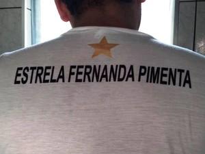 Amigos de Fernanda fizeram camisetas homenageando a vítima (Foto: Reprodução/Facebook)