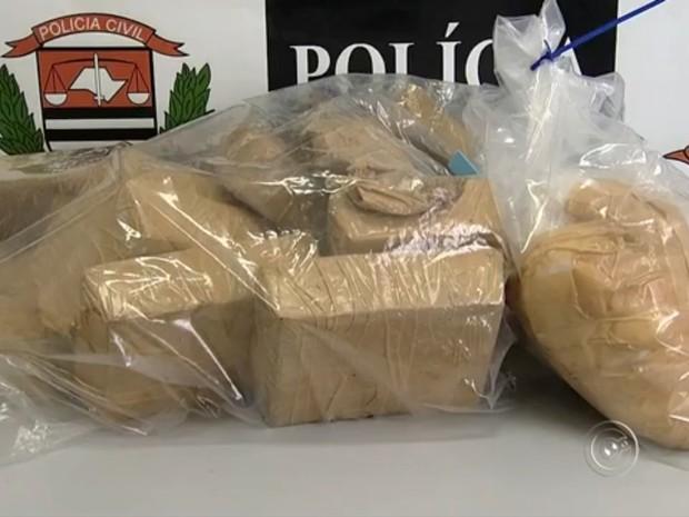 Polícia apreendeu 23 quilos de crack em Jundiaí (Foto: Reprodução/TV TEM)