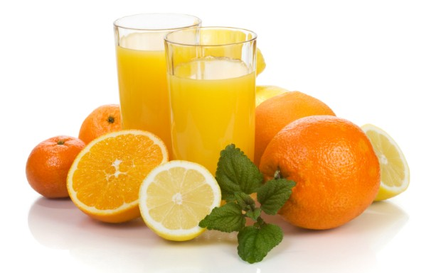 Ingerir um alimento fonte de Vitamina C com outro que tenha ferro ajuda a absorver melhor os nutrientes (Foto: Getty Images)