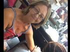 Fani convence a tia a fazer sua primeira tatuagem