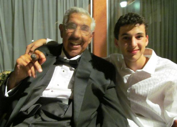 Rubén Aguirre com o neto Lalo (Foto: Reprodução/Twitter)