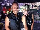 De short jeans, Beyoncé curte show de David Guetta nos Estados Unidos