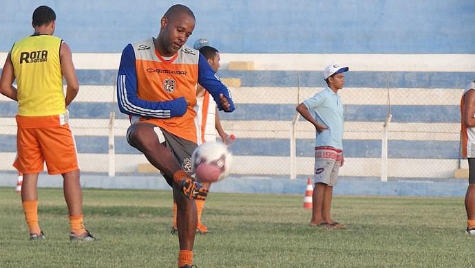 Júnior Borracha serra talhada (Foto: Lula Moraes / GloboEsporte.com)
