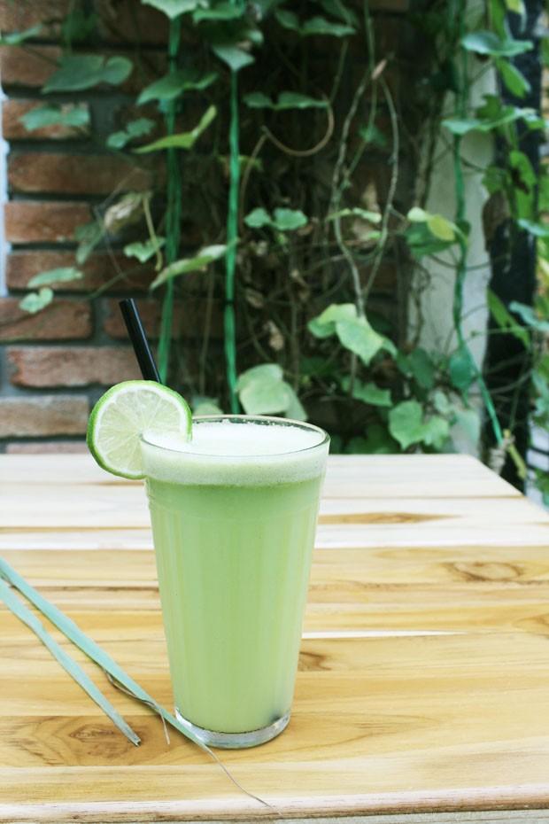 Sucos e vitaminas saudáveis para o verão
