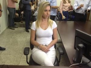 Bruna Cristine Menezes de Castro, modelo suspeita de aplicar golpes em Goiás (Foto: Sílvio Túlio/G1)