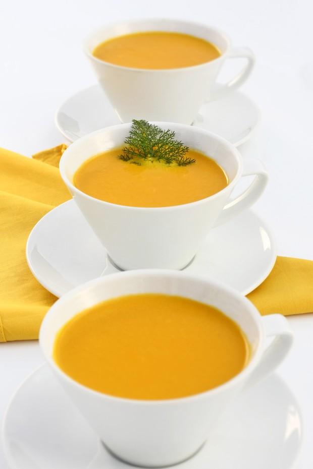 Prepare creme de cenoura em apenas cinco passos para aquecer no Dia dos Namorados