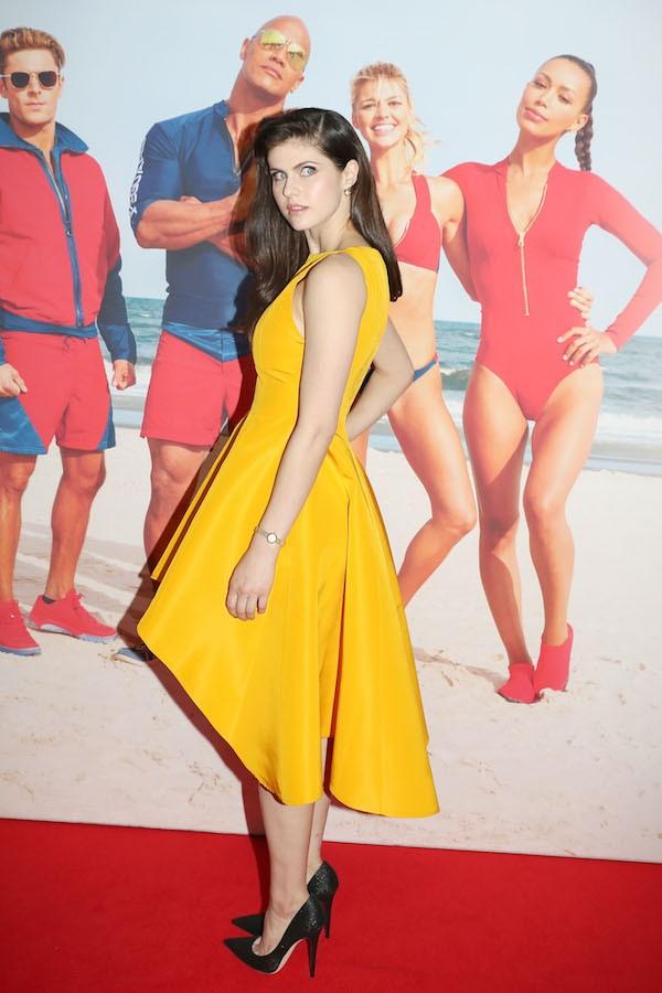 A atriz Alexandra Daddario em evento de divulgação de Baywatch (Foto: Getty Images)