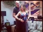Grávida, Sheila Mello posa com o marido, Fernando Scherer