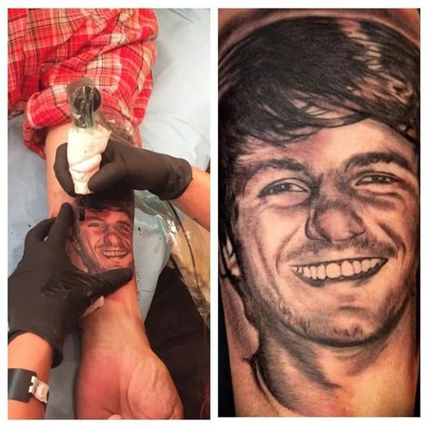 Raul Mascarenhas mostra tatuagem com o rosto do filho (Foto: Reprodução/Instagram)