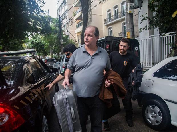 O ex-diretor da área internacional da Petrobras Jorge Zelada é preso pela PF nesta quinta no RJ. (Foto: Mauro Pimentel/Folhapress)