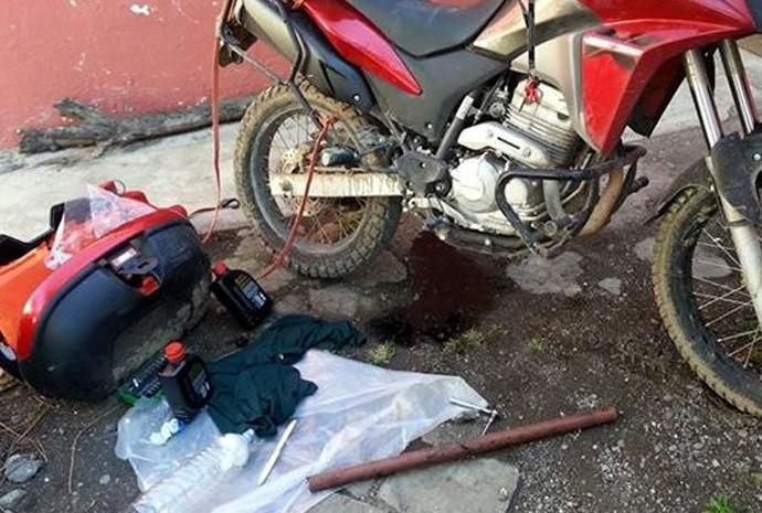 Troca de pneu de moto