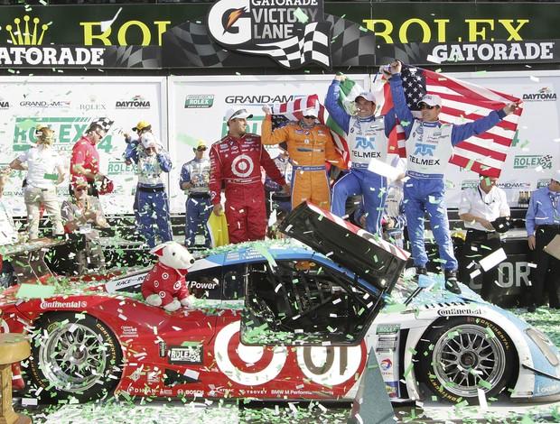 Juan Pablo Montoya, Scott Pruett, Memo Rojas e Charlie Kimbal, quarteto vencedor da edição 2013 das 24 Horas de Daytona (Foto: Agência Getty Images)