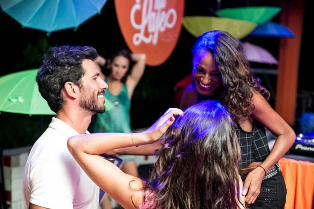Isis Valverde, Uriel Del toro e Pathy de Jesus (Foto: Marcos Samerson / Agência We love Photo!)