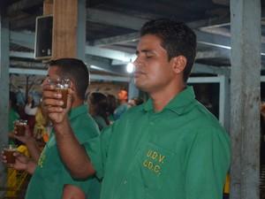 Estudos comprovam que o chá da ayahuasca não vicia (Foto: Janine Brasil/G1)