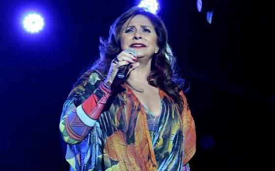 Fafá de Belém foi ovacionada em shoe no Teatro Rival, no Rio de Janeiro (Foto: Eduardo Moraes/Maurício Code)