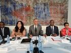 Obama se reúne com opositores em Cuba e exalta sua valentia
