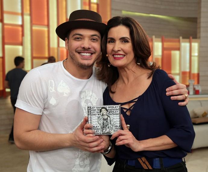 Wesley Safadão nos bastidores do 'Encontro' com a apresentadora  (Foto: Isabella Pinheiro/Gshow)